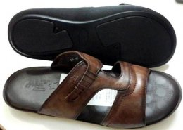 100% Genuine Sheep Leather Material with Flat Davinci Sole Comfort Paded Chappals for Mens
